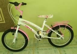 Vendo bicicleta infantil aro 16.