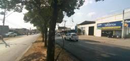 Edifício comercial e residencial inteiro a venda c/ 390 m² área construída no Parq Amazôni