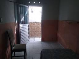 Quarto suite p/ trabalhador (a) c/ entrada independente