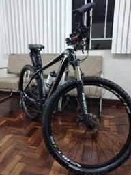Moutain bike, aro 29 em estado de zero.