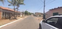 Sobrado a venda com três quartos com suíte c/160 m², Solange Park III em Goiânia, com lote