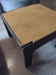 Mesa de centro quadrada ótimo estado madeira