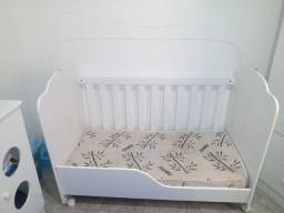 Berço 2 em 1 vira mini cama