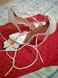 Sapato novos numeros 36 stou vendendo por 80 reais peguei 150 reais em cada