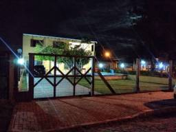 Linda casa 4 dormitórios 3 banheiros em ótima localização em Pinhal/Magistério !