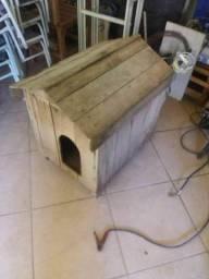 Casinha de cachorro en madeira