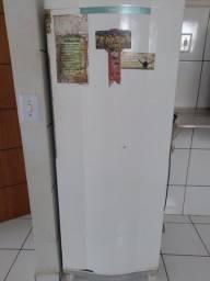 Estou vendendo uma geladeira consul