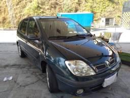Vende Renault scenic 1.6 16 V flex  mod.  2006