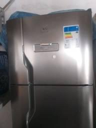 Vendo geladeira frost free 310 litros