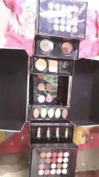 Vende-se maleta de maquiagem