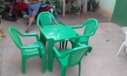 Oferta#Jogo de Mesa Verde com 4 Cadeiras Forte e Resistentes