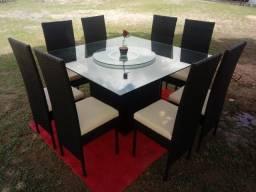 Título do anúncio: mesa com 08 cadeiras!!!
