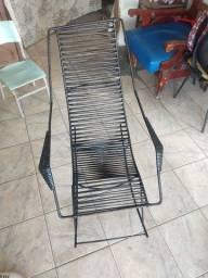 Cadeira de balanço recém reformada