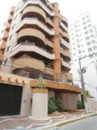 Apartamento mobiliado em Meia Praia/ Rua 222
