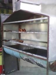 Vendo churrasqueira de frango completa