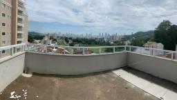 Amplo sobrado com terraço a poucos minutos da praia central de Balneário Camboriú