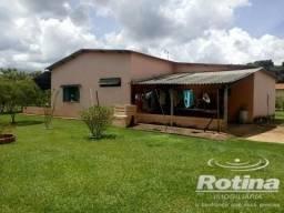 Chácara à venda, 4 quartos, 4 vagas, Jockey Camping - Uberlândia/MG