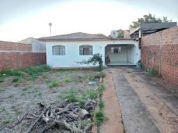 Título do anúncio: Casa terreno inteiro em Maringá