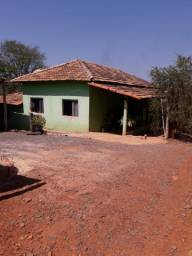 Vendo casa no povoado do Costa, Papagaios, MG.