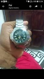 Vendo relógio em excelente estado .