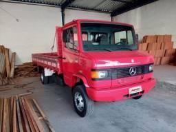 MB 710 2011 Impecável