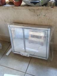 Espelho de banheiro com armário Astra