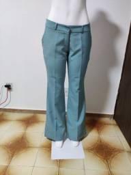 Calça azul formal