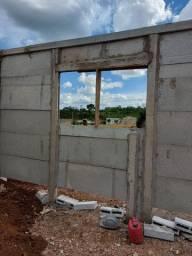 Casas e muro pré fabricados