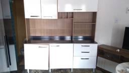 Armário de cozinha seme-novo