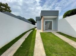 C.F - Casa para venda possui  2 quartos em Planalto Serrano - Serra - ES
