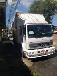 Vendo caminhão baú