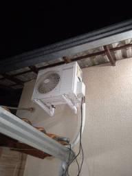 Ar condicionado Fontaine 220v 9Btus controle e suporte
