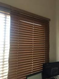Cortinas Persianas cor madeira