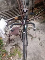 Vendo uma bicicleta Caloi 10 speed toda no rolamento raios cromados