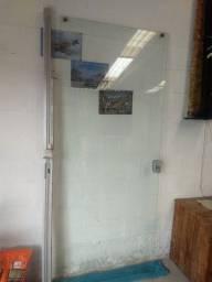 Vendo uma porta de correr de vidro semi_nova