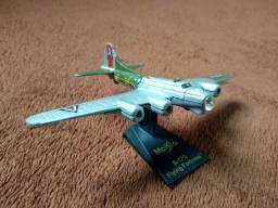 Miniatura Avião Maisto B-17g Flying Fortress