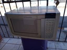 Microondas Electrolux 23 litros ZAP 988-540-491 dou garantia de 3m