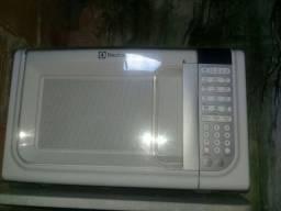 micro-ondas Electrolux 200 reais