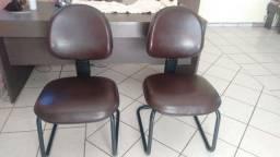 Título do anúncio: Cadeira Executiva em Couríssimo