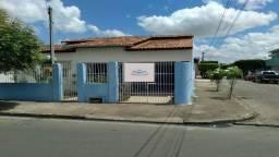 Casa á venda em Arapiraca, 236m2, 02 suítes