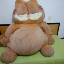 Garfield pelúcia tamanho grande 1,60 X 1,50 Inteirinho