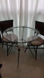 Mesa de vidro com 02 cadeiras