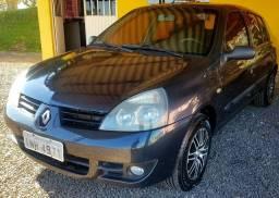 Clio 1.0 Sedan 2007 Completo e revisado