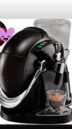 Cafeteira semi nova  550,