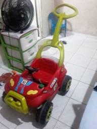 Vende se carro para criança