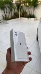 iPhone 11 128GB Branco - Lacrado