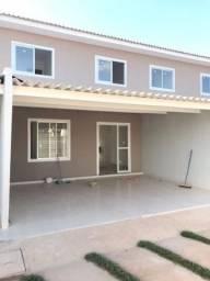 Sobrado condomínio Fechado em Jaraguá, 3 quartos, 2 vagas de garagem, financia, prox forum
