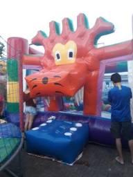 Pula pula inflável castelo