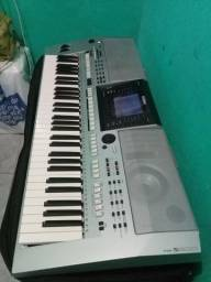 Vendo teclado PSR -S 900 da Yamaha Leia