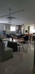 Apartamento com 4 Suítes e 4 Vagas de Garagem em Meia Praia Itapema SC